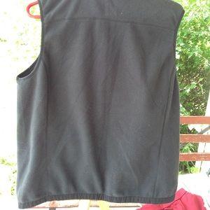 Vineyard Vines Jackets & Coats - Vineyard vines fleece vest.
